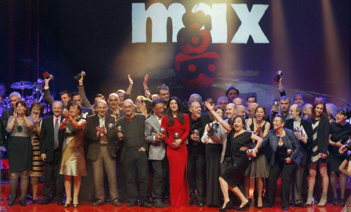 La guerra de los premios de teatro